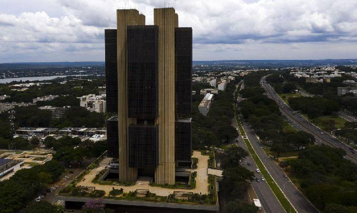 Senado aprova projeto de autonomia do Banco Central